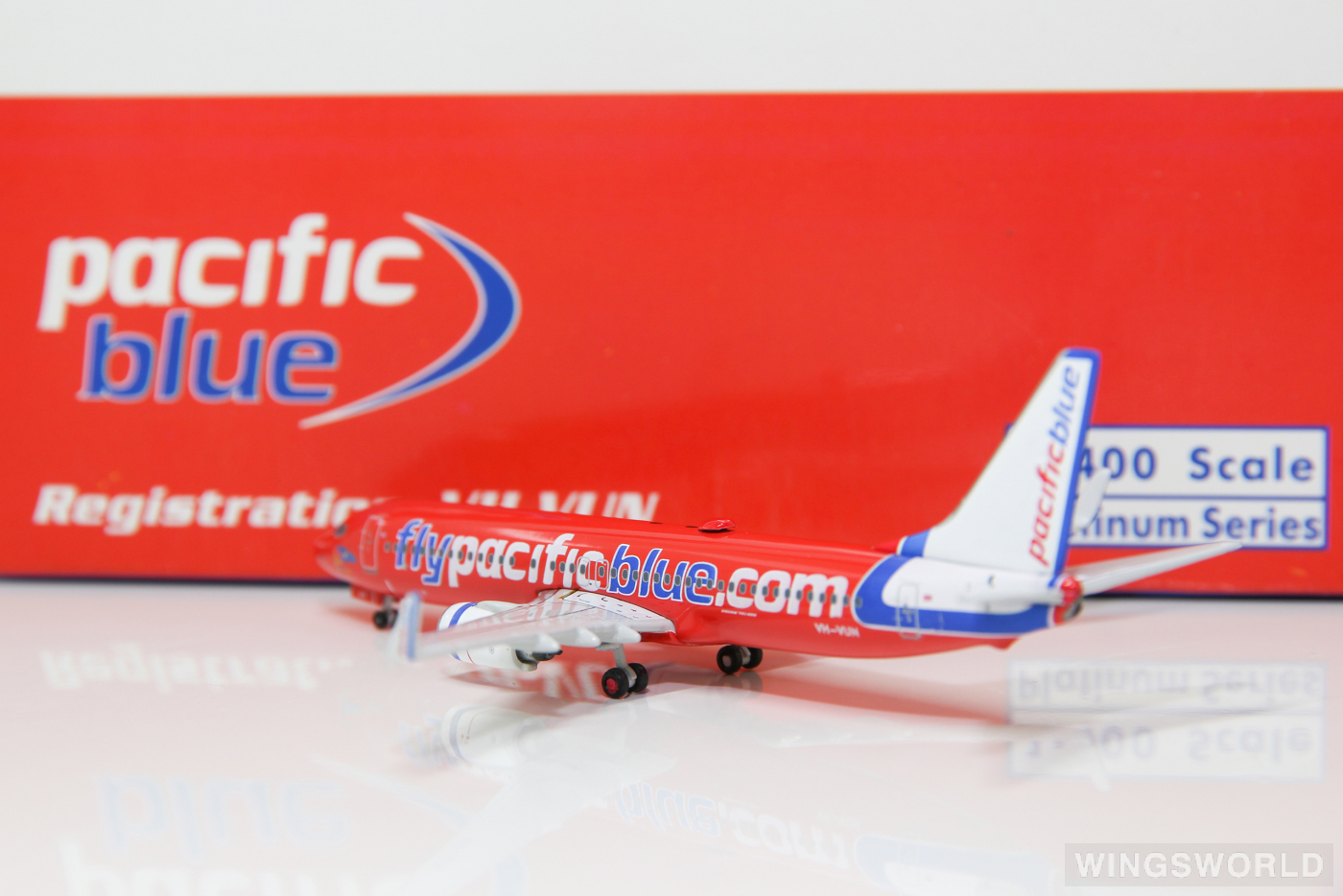 Phoenix 1:400 PH10264 Pacific Blue Airlines Boeing 737-800 VH-VUN