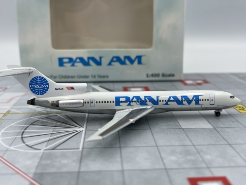 Pan Am 泛美航空 Boeing 727-200 N4749  A13034 Apollo 1:400