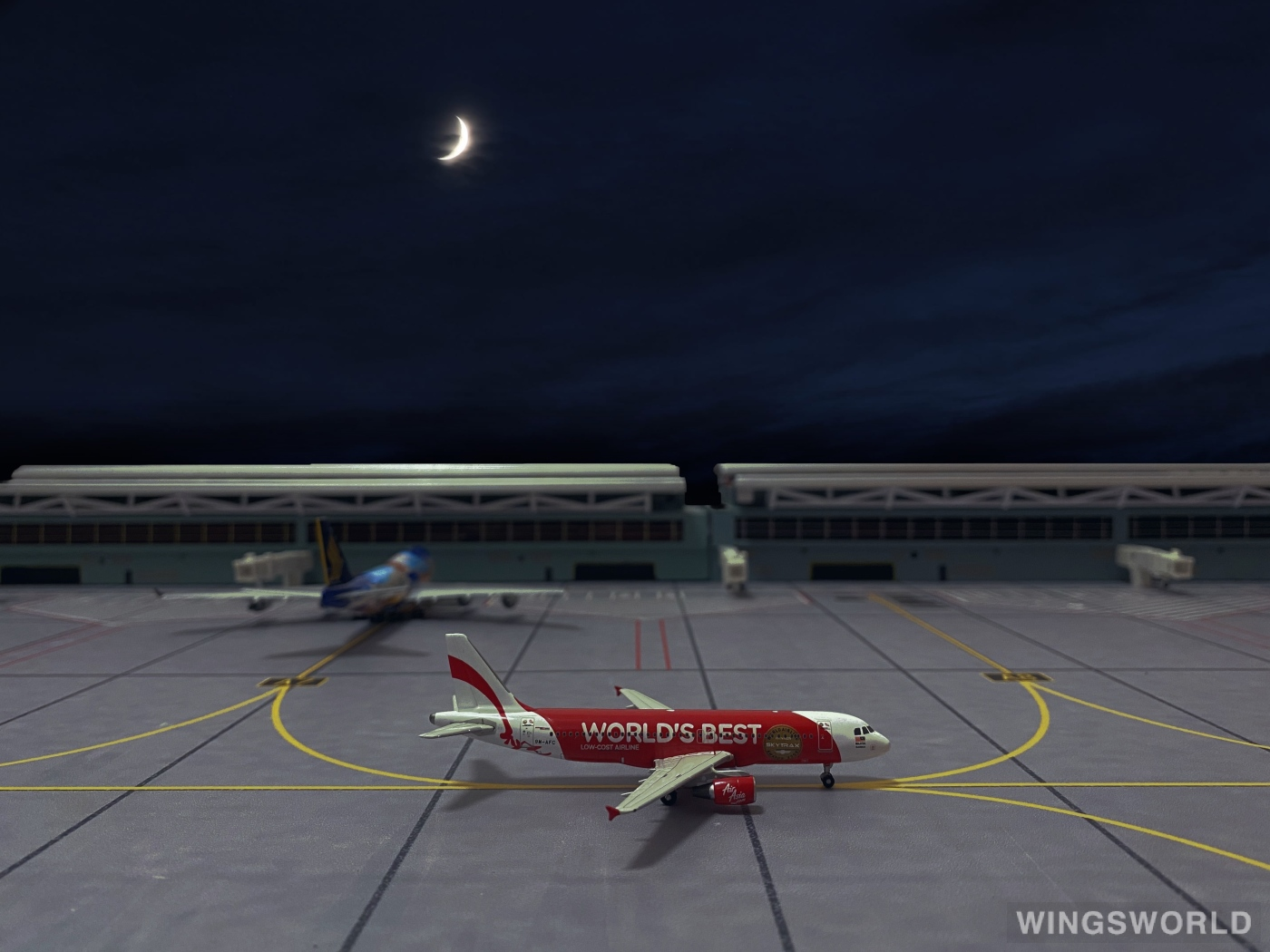 Phoenix 1:400 PH10336 AirAsia 亚洲航空 Airbus A320 9M-AFC