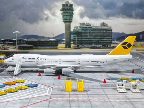German Cargo Boeing 747-200 D-ABYY  AV4742026 Aviation400 1:400