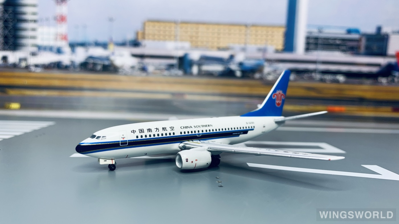 Aviation400 1:400 AV4737001 China Southern 中国南方航空 Boeing 737-700 B-5250