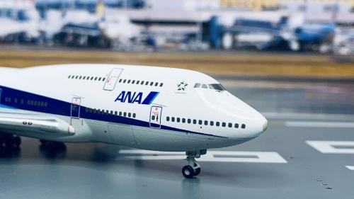 ANA 全日空 Boeing 747-400 JA8958 木质台座 NH40085 Hogan 1:400