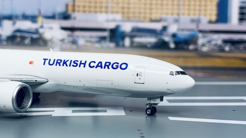 Turkish Airlines 土耳其航空 Boeing 777-200LR TC-LJN  PH11675 Phoenix 1:400