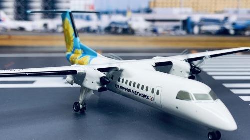ANA 全日空 Bombardier Dash 8-300 JA802K 向日葵 Himawari DH28002 Hogan 1:200