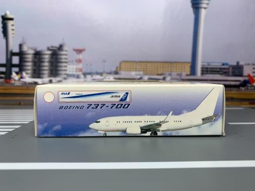 ANA 全日空 Boeing 737-700 JA15AN Air Nippon ACJA15AN AeroClassics 1:400