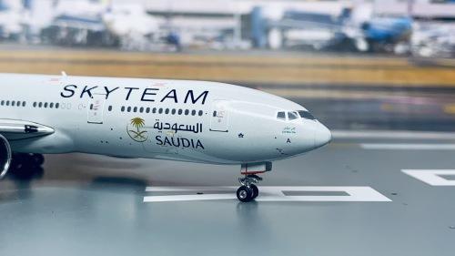 Saudia 沙特阿拉伯航空 Boeing 777-200 HZ-AKA 天合联盟涂装 PH11044 Phoenix 1:400