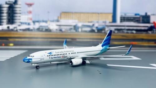Garuda Indonesia 印度尼西亚鹰航 Boeing 737-800 PK-GFQ  PH11691 Phoenix 1:400