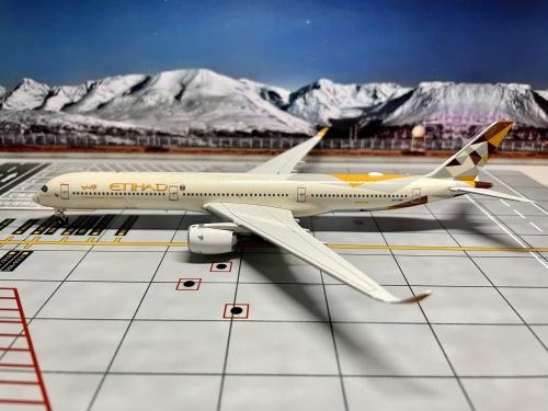 Etihad Airways 阿提哈德航空 Airbus A350-1000 A6-XWB  AV4050 Aviation400 1:400