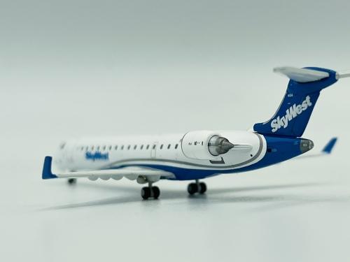 SkyWest Airlines Bombardier CRJ700 N604SK  GJSKW1265 Geminijets 1:400