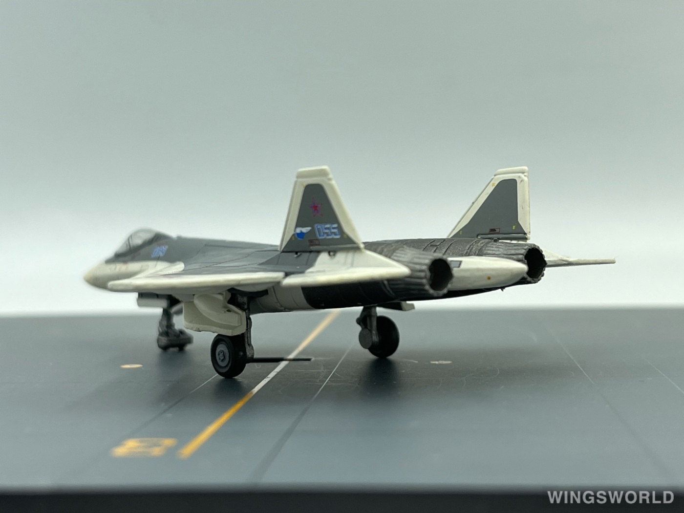 Herpa 1:200 559751 Sukhoi Aircraft Corporation 苏霍伊飞机公司 Sukhoi Su-57 055